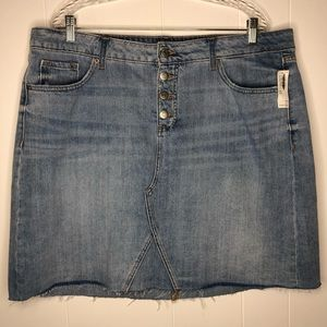 NWT Old Navy high waisted jean skirt. Size 20.